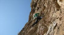KL-alpines-Sportklettern-Sarcatal-Gardasee-c-Franz-Heiss-luce e colori (2)