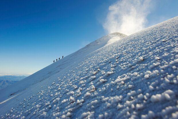 OD-2012-Peak-Project-Speedflyer-Etna-Italien-3 (jpg)
