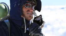 OD-Beyond-The-Edge-Sir-Edmund-Hillarys-Aufstieg-Zum-Gipfel-des-Everest-DVD-Start-2015-03 (jpg)