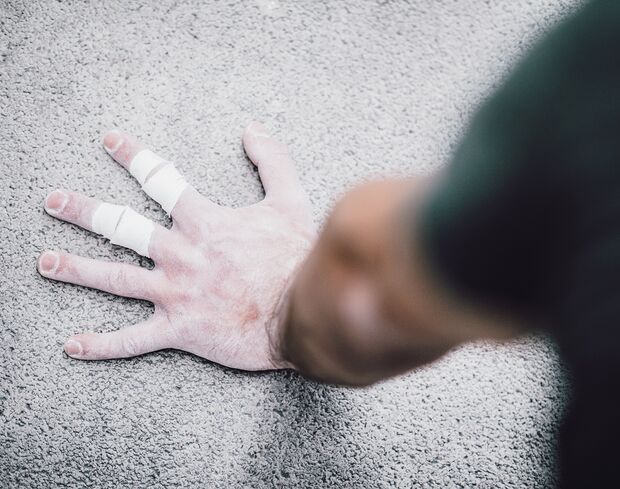 kl-boulder-training-calisthenics-finger-haltung-arm-balance_41_9106 (jpg)