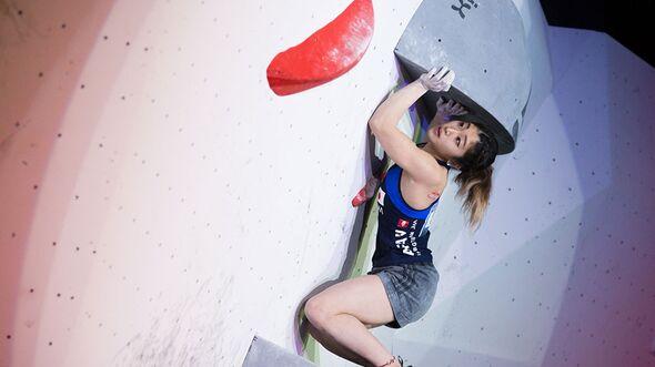 kl-bouldering-world-cup-kazo-2016_26529952212_o-miho-nonaka (jpg)