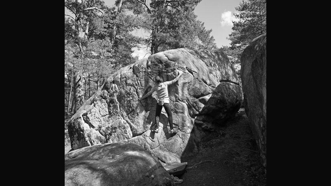 kl-bouldern-fontainebleau-rocher-canon-sarah-bleau-sw (jpg)