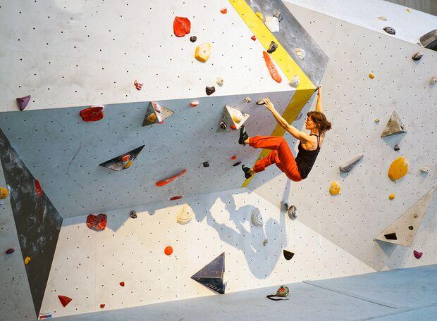 kl-bouldern-kletterhose-aufmacher-sarah-climbmax-n (jpg)
