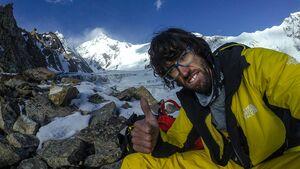 kl-hansjoerg-auer-solo-expedition-lupghar-sar-teaser-n-HAuer-0753-bearb (jpg)