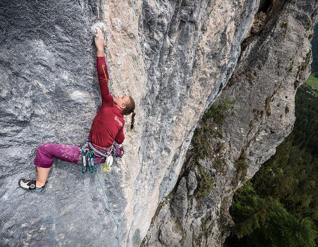 kl-klettern-chinesische-mauer-leutasch-wetterstein-catherine_laflamme-gmahte-Wiesn_8a+_02 (jpg)