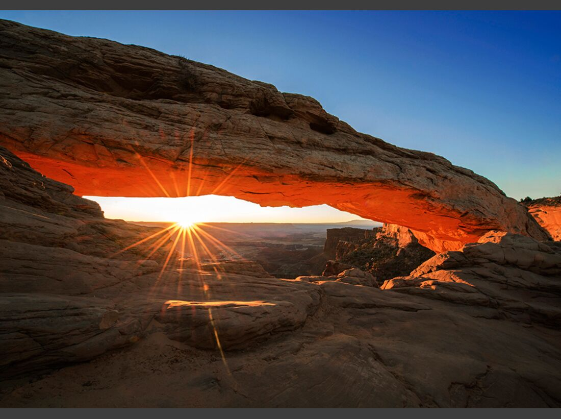 kl-klettern-usa-christian-pfanzelt-sunrise-am-meas-arch-in-den-canyonlands-032 (jpg)