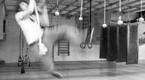 kl-ninja-warrior-training-hangeln-affenschaukel-grams-img-6499 (jpg)