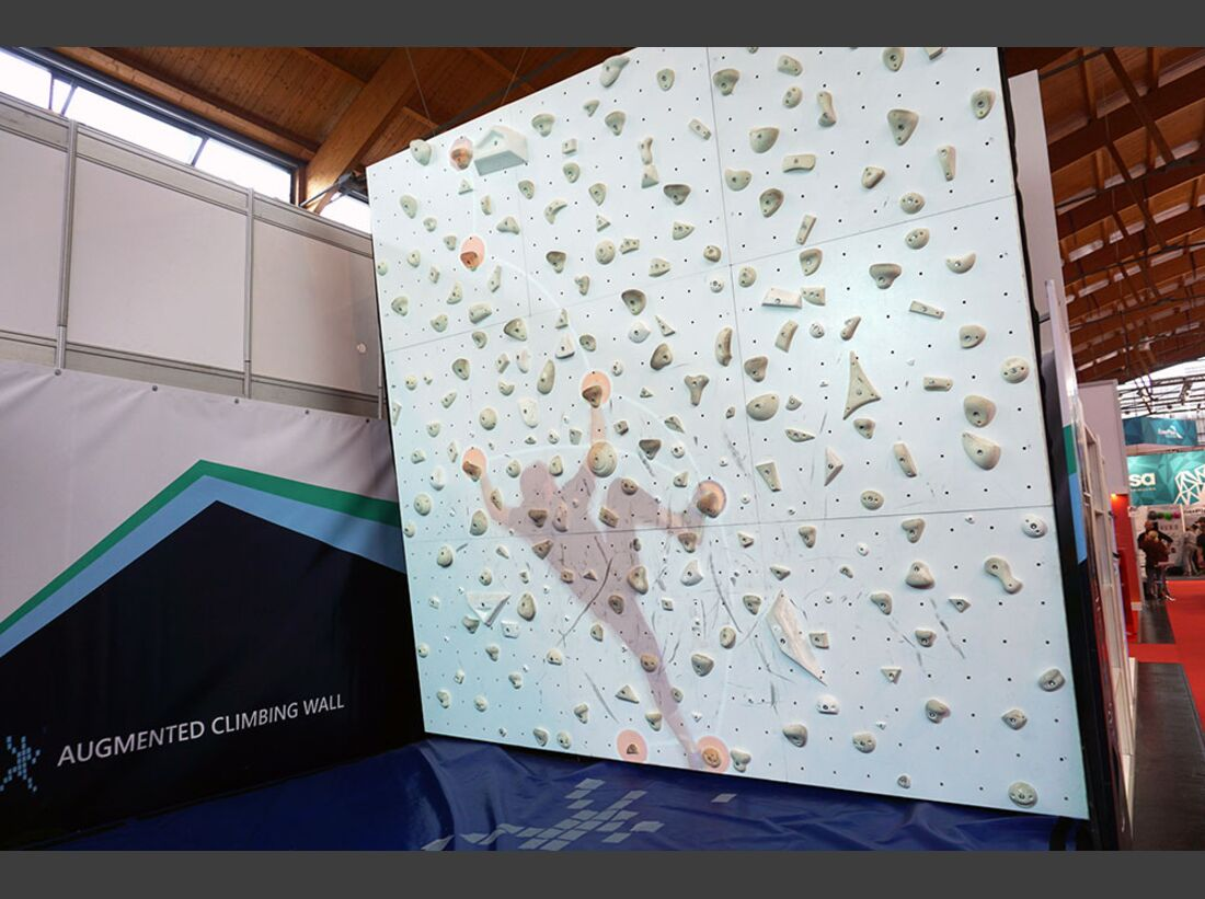kl-outdoor-messe-2016-augmented-climbing-wall-151 (jpg)